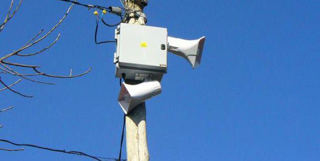 En el barrio Primero de Mayo instalan 10 alarmas para activar seguridad ciudadana.