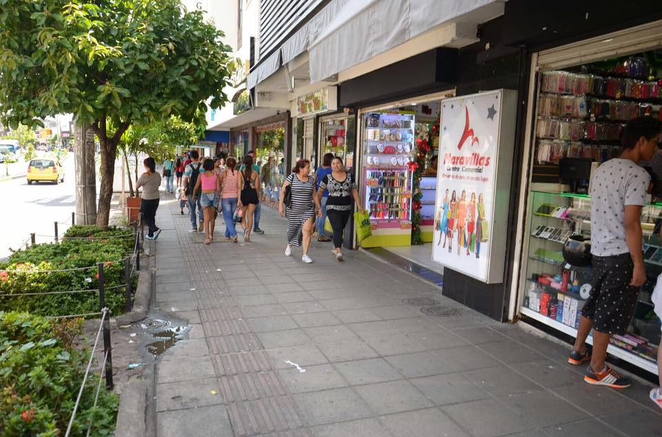 """Comerciantes, con apoyo de la Alcaldía, lanzan campaña: """"Yo compro en mi ciudad"""""""