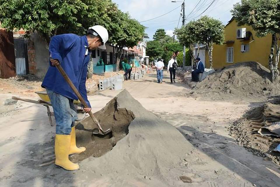 Obras de auto pavimentación generan progreso y empleos para Barrancabermeja