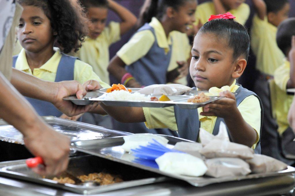 A partir del lunes 26 inicia en los colegios la alimentación escolar