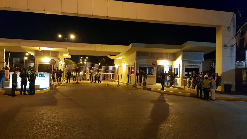 ESMAD hace presencia en protesta de trabajadores 'tercerizados' en ECP