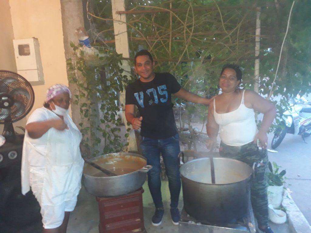 Julio Sánchez, líder del barrio Las Playas, está invitando al Festival del Dulce