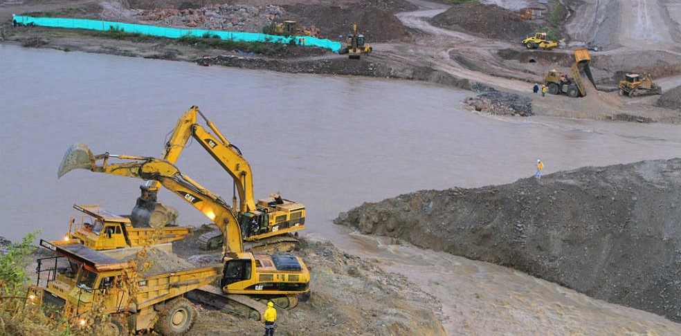 Ratifican competencia de municipios para el uso de su suelo y restricción minera