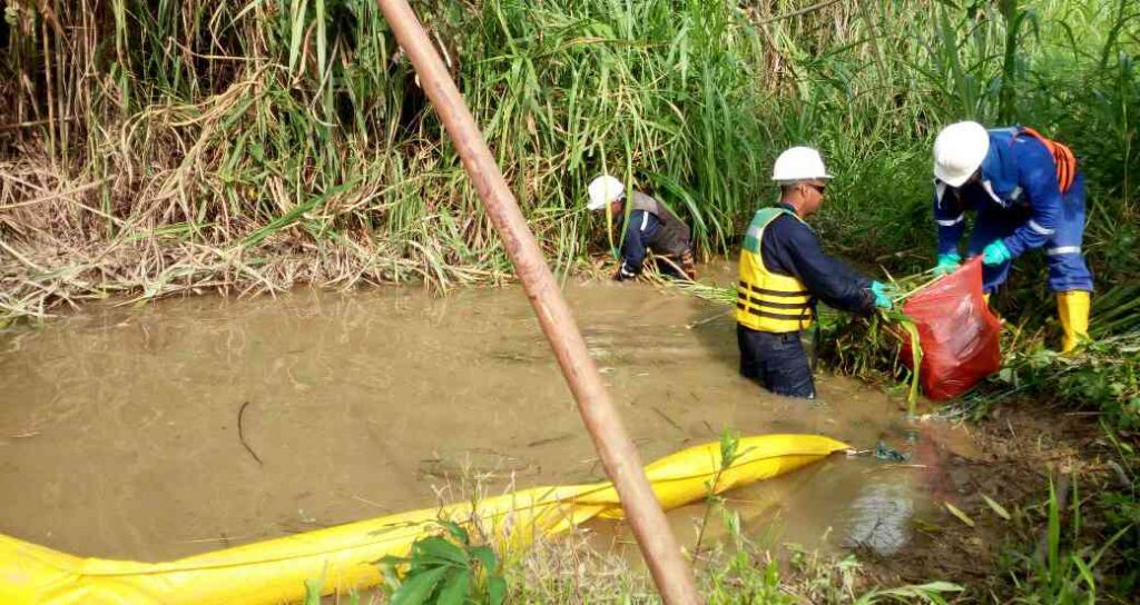 Más de 800 personas conforman equipo para emergencia ambiental en Lizama