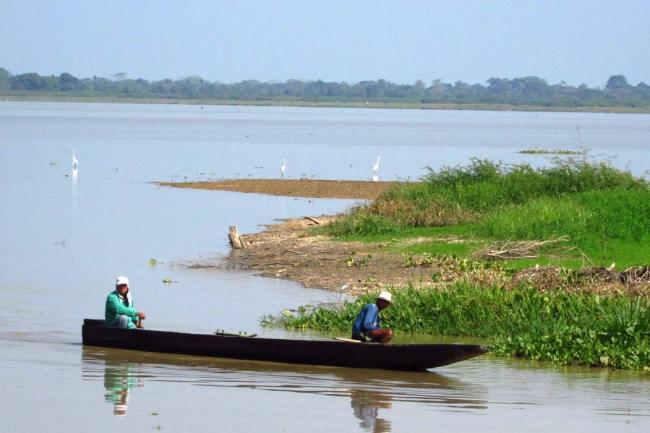 Pescadores de El Llanito afectados por la mancha de crudo recibieron mercados