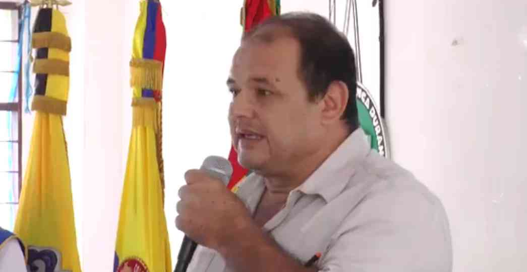 """""""Pavimentación de la vía a El Centro se debe a Darío Echeverri"""", dice ex diputado Guarín"""