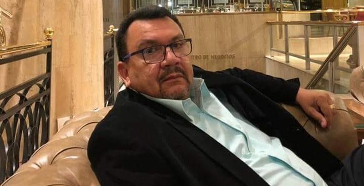 Carmelo Castilla, esposo de la Contralora, critica manejo fiscal del municipio