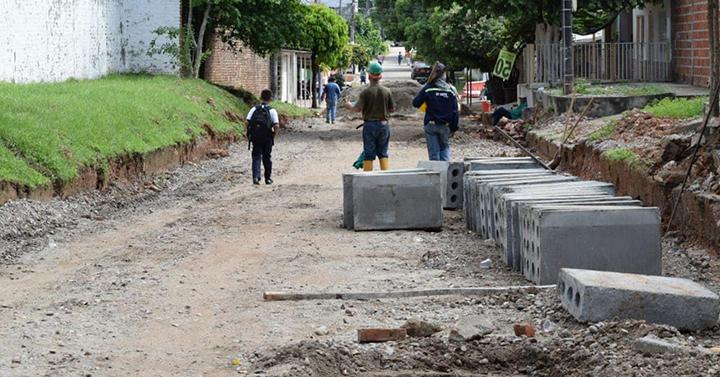 En 4 tramos viales del Benjamín Herrera inició la pavimentación