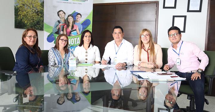 """""""UNIPAZ y Coomultrasan firman convenio que garantizan formación a más Estudiantes"""""""