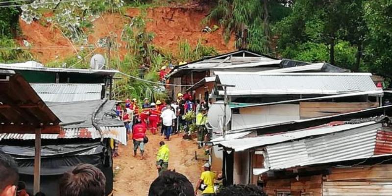 Alcaldía le cumple a afectados por la tragedia en Altos de Bellavista