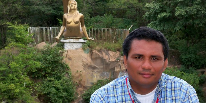 Abogado, Isaac Jiménez, aclara que nunca ha pertenecido a la guerrilla.