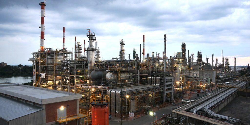 Gobierno propone venta del 8.9 % de las acciones de Ecopetrol.