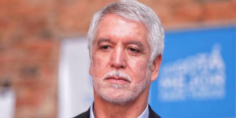 Fuerte crítica de Daniel Coronell a Enrique Peñalosa, alcalde de Bogotá