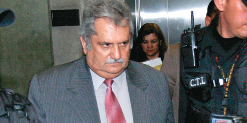 """""""Yo he sido uno de los más sacrificados por defender a Álvaro Uribe"""" dijo Rito Alejo del Río"""