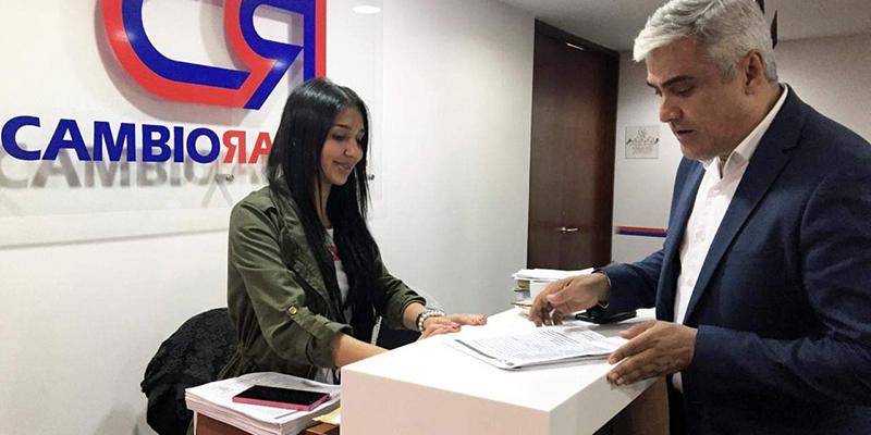Elkin Bueno se inscribe en Cambio Radical como precandidato a la gobernación