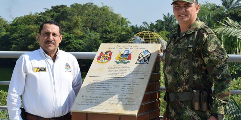 Alcaldía de Barrancabermeja descubre placa al Ejército por sus 200 años