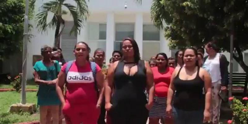 Mujeres de Puerto Wilches protestan por expresiones del alcalde de Bucaramanga