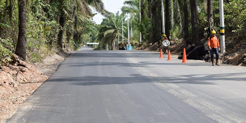 Así van los trabajos de pavimentación de la vía a El Centro