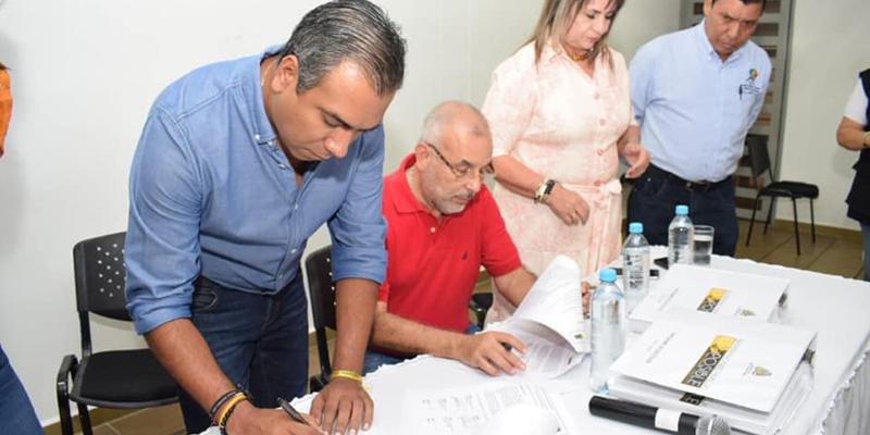 Alcaldes entrante y saliente de Barrancabermeja dan cierre a proceso de empalme