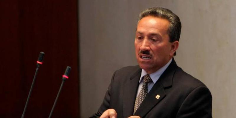 En el Aeropuerto Palonegro fue capturado el exgobernador Hugo Aguilar