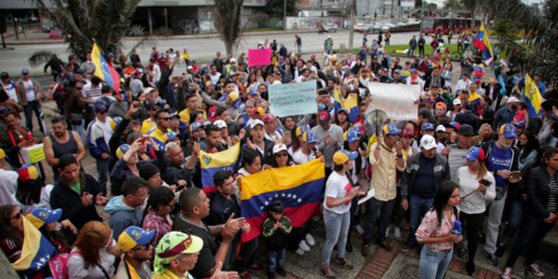 Gobierno anuncia decreto para afiliar venezolanos al sistema de salud