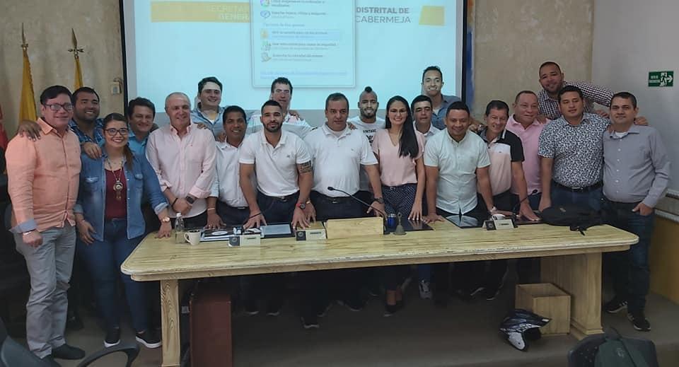 Jugadores del Alianza Petrolera visitaron al Concejo Distrital