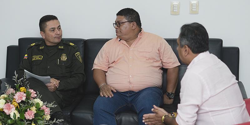 Alcalde, Alfonso Eljach, ofrece respaldo a líder sindical César Pabón