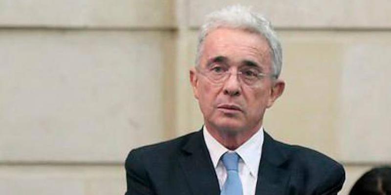 Renunció asesora de Uribe Vélez en el senado