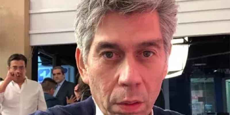"""""""El dueño de Semana es uribista, su proyecto es armar el Fox News Colombiano"""", Daniel Coronell"""