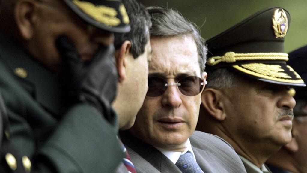 Cables de Estados Unidos: el ex presidente de Colombia es sospechoso de vínculos con paramilitares