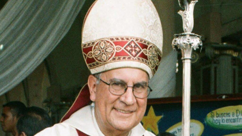 Reconocimiento a  vida pastoral de Monseñor Jaime Prieto – (Por: Vilma Gonzalez Baena)