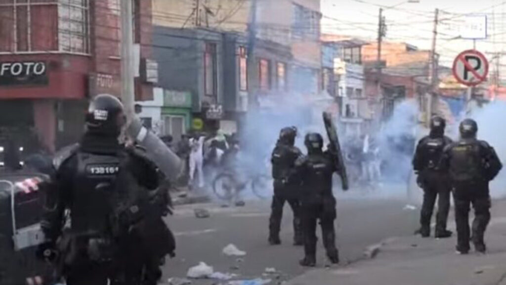 Siete muertos en una noche violenta en Bogotá en protesta contra la Policía