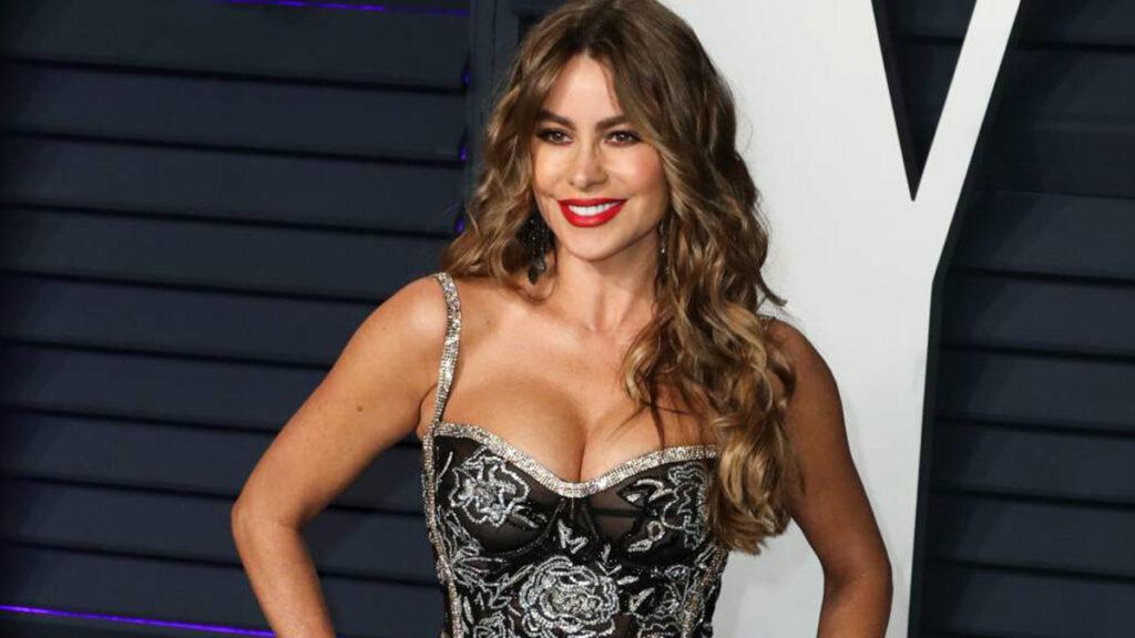 Sofía Vergara posa en traje de baño y se lleva todos los aplausos por su figura