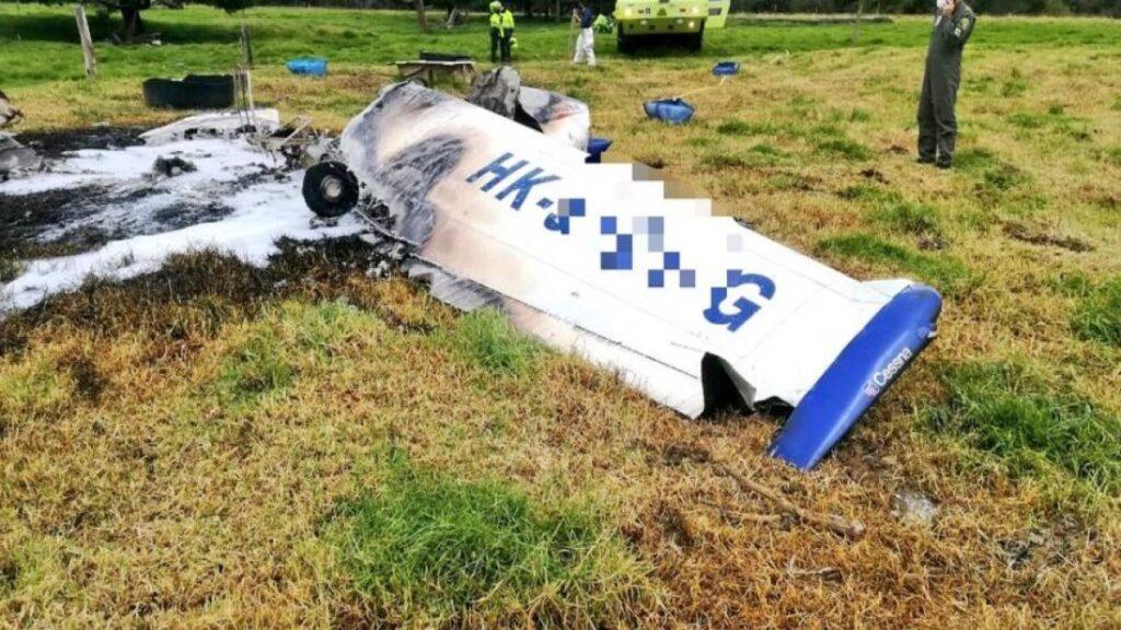 Se cayó una avioneta en la Autopista Norte en Bogotá