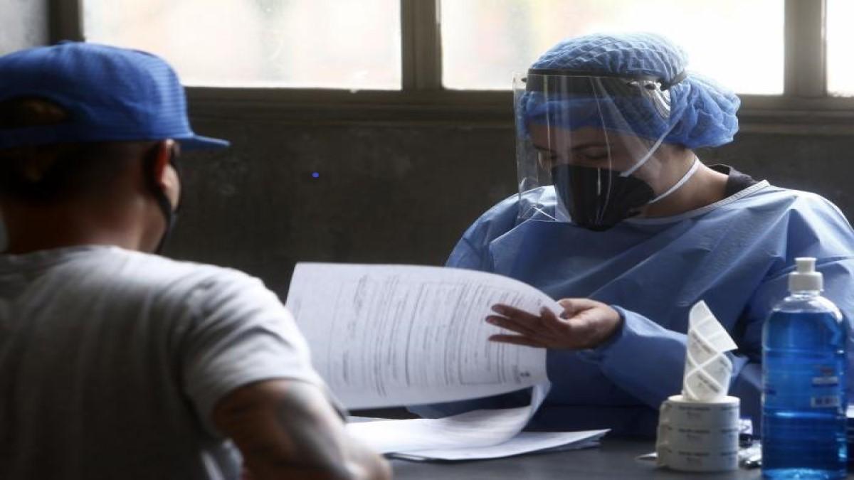 Muertes por coronavirus en Colombia se acercan a 30.000