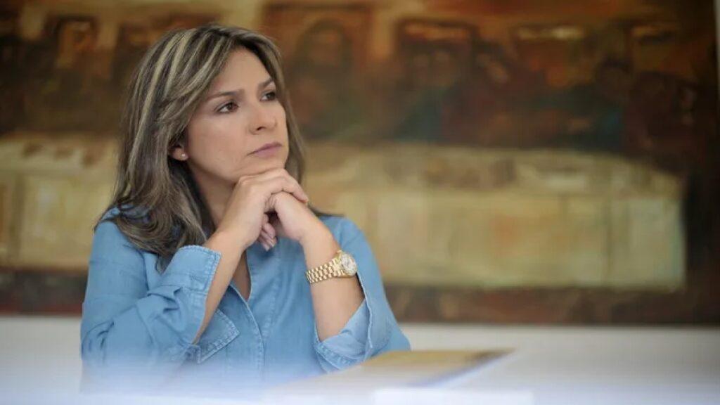 Vicky Dávila y La FM, condenadas por dañar el buen nombre de un policía