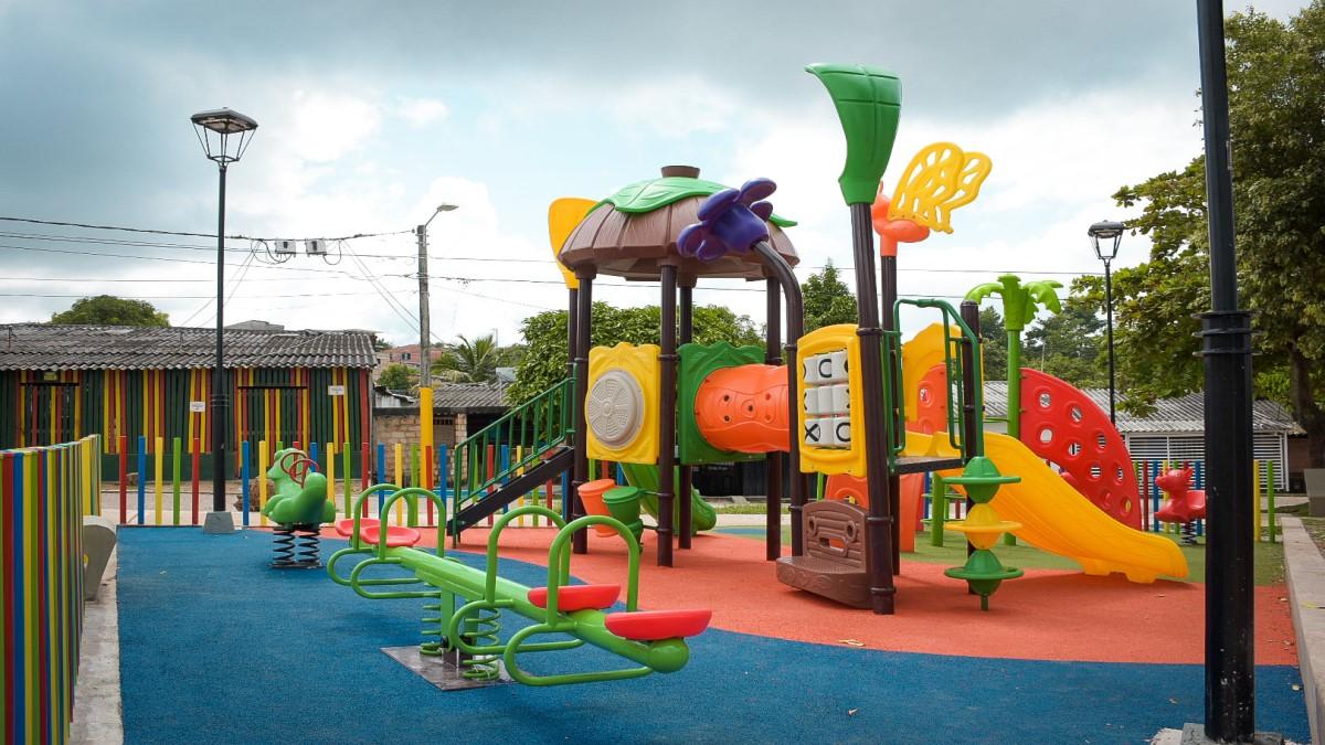 Más familias barranqueñas seguras y felices con el nuevo parque en el barrio Jerusalén.