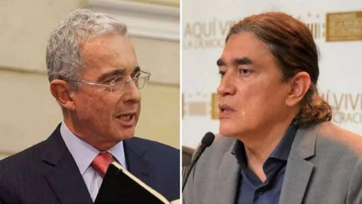 """""""¿Demencia senil o descaro puro?"""", le pregunta Gustavo Bolívar a Álvaro Uribe"""