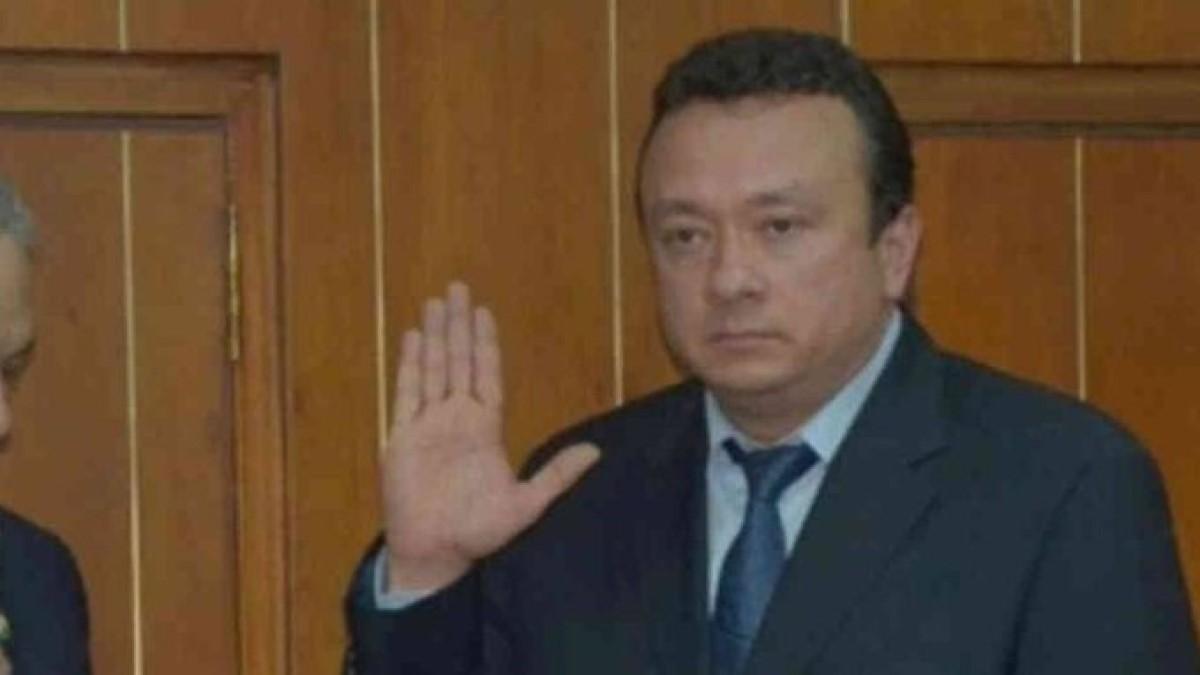 Controversia por renuncia del senador Pulgar a su curul en el congreso