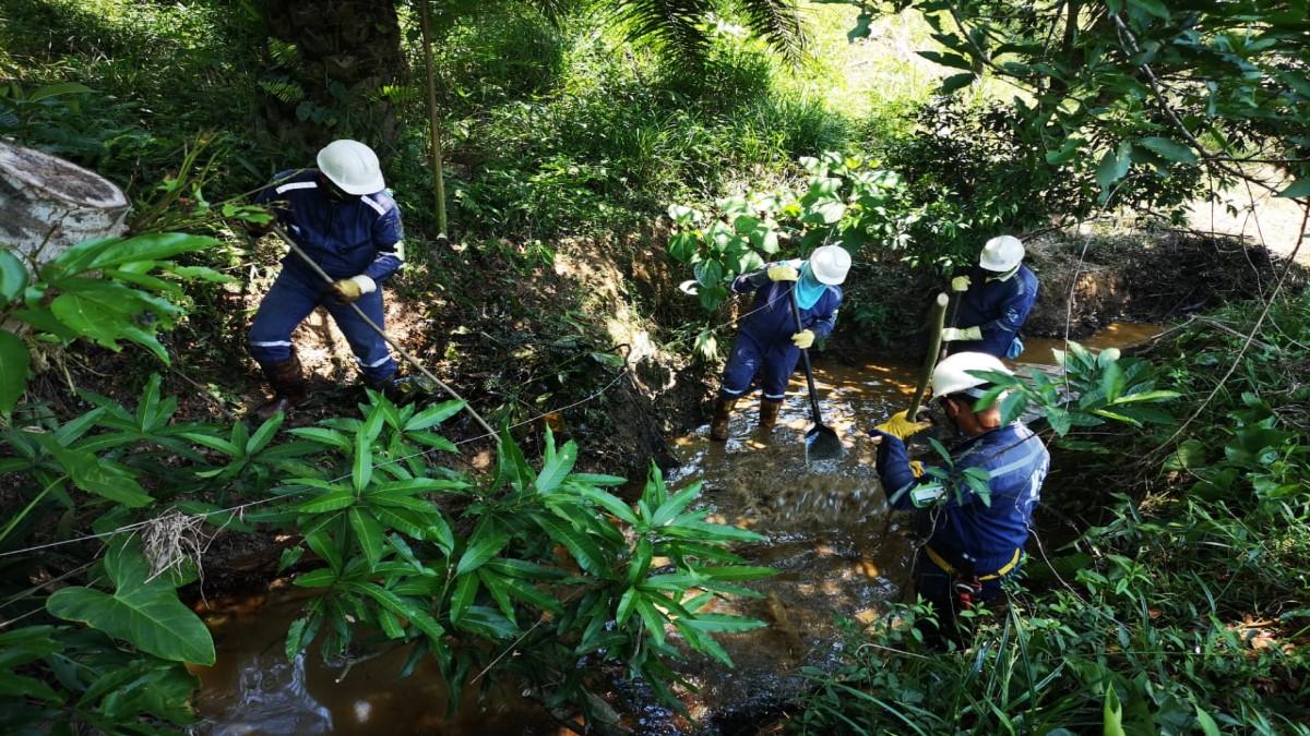 Ecopetrol explica cómo avanza limpieza de quebrada en Lizama