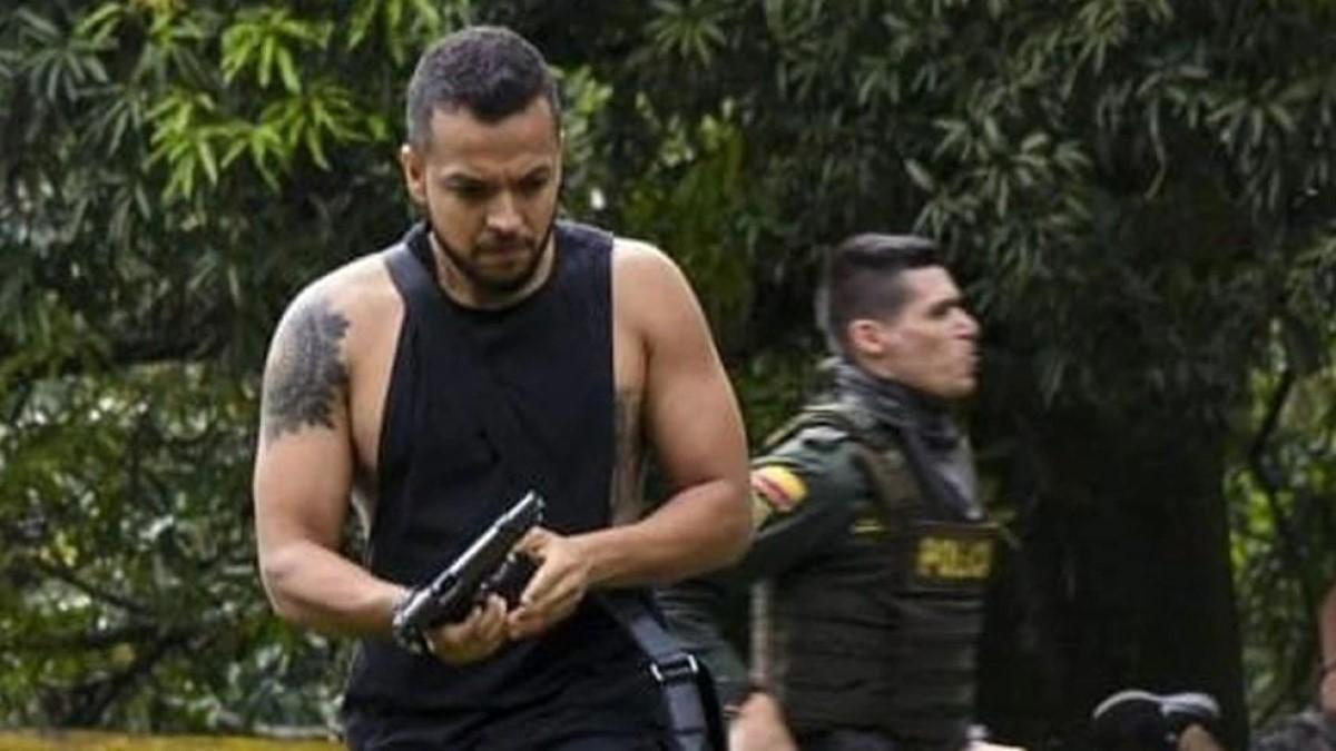 """Piden no normalizar  a civiles armados: """"Eso es paramilitarismo"""""""