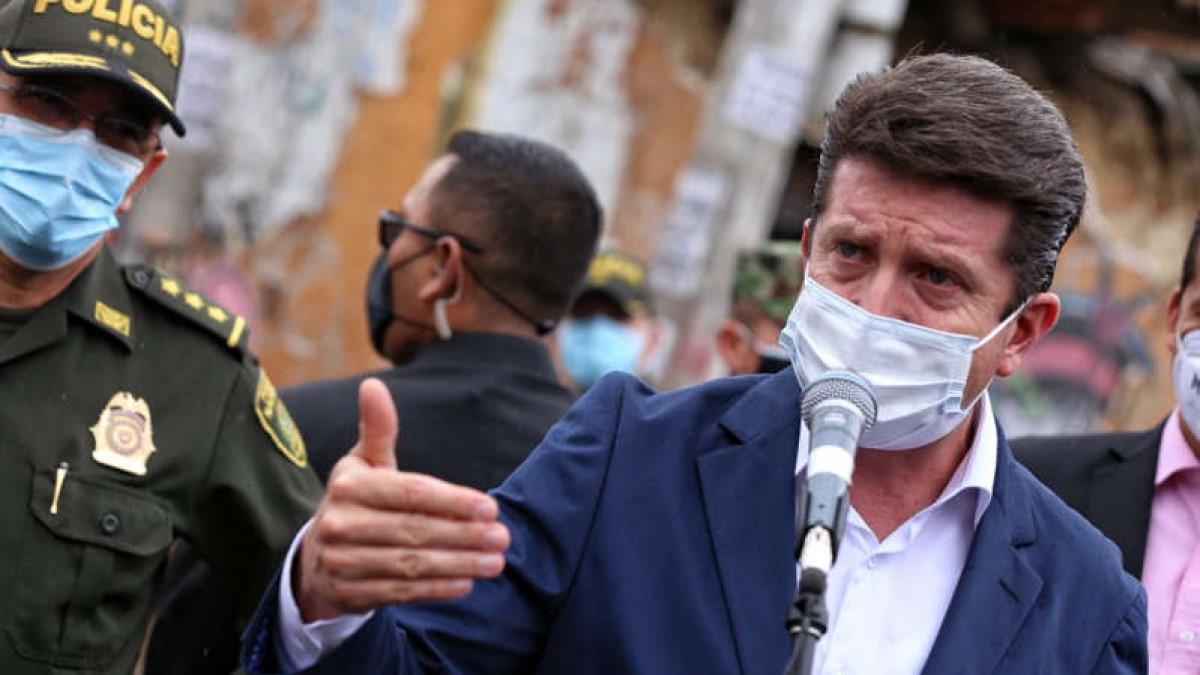 MinDefensa a debate de moción de censura por abusos policiales