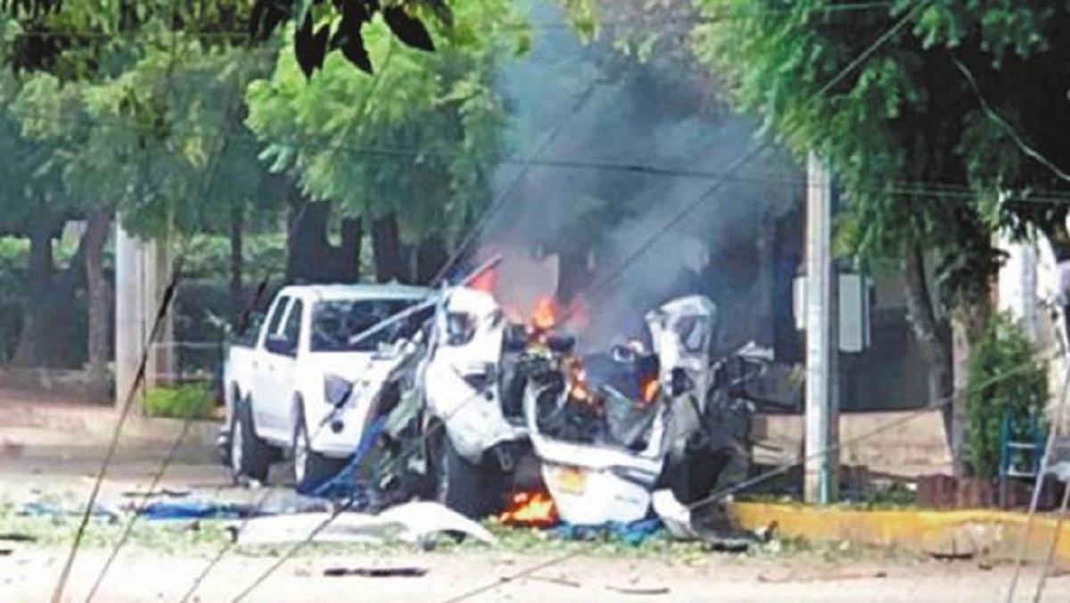 A quien le conviene la explosión del carro bomba en base militar de Cúcuta?