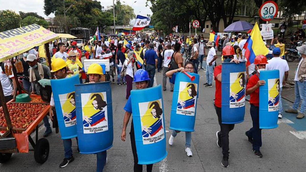Más de 800 abogados se unen en Colombia para defender gratuitamente a los detenidos de las protestas