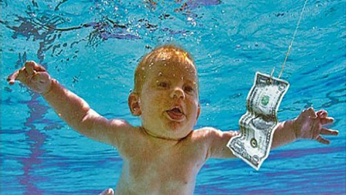 Bebé fotografiado en portada 'Nevermind' demanda a Nirvana, por pornografía infantil