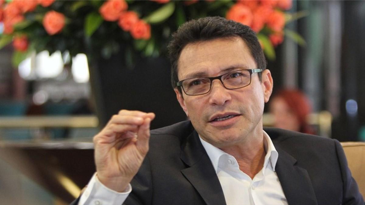 Gobernador del Magdalena salió del país por información de plan para matarlo