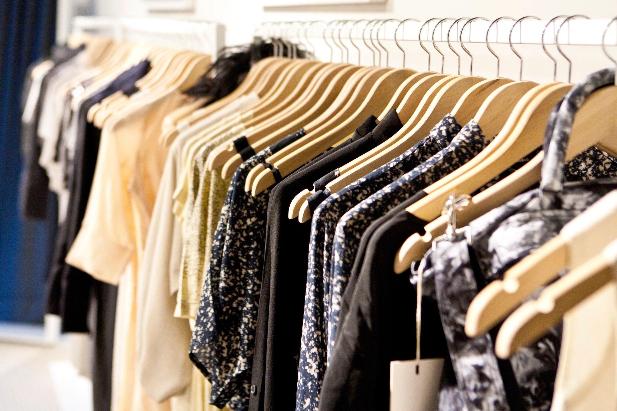 HOW TO CATALOGUE YOUR CLOSET