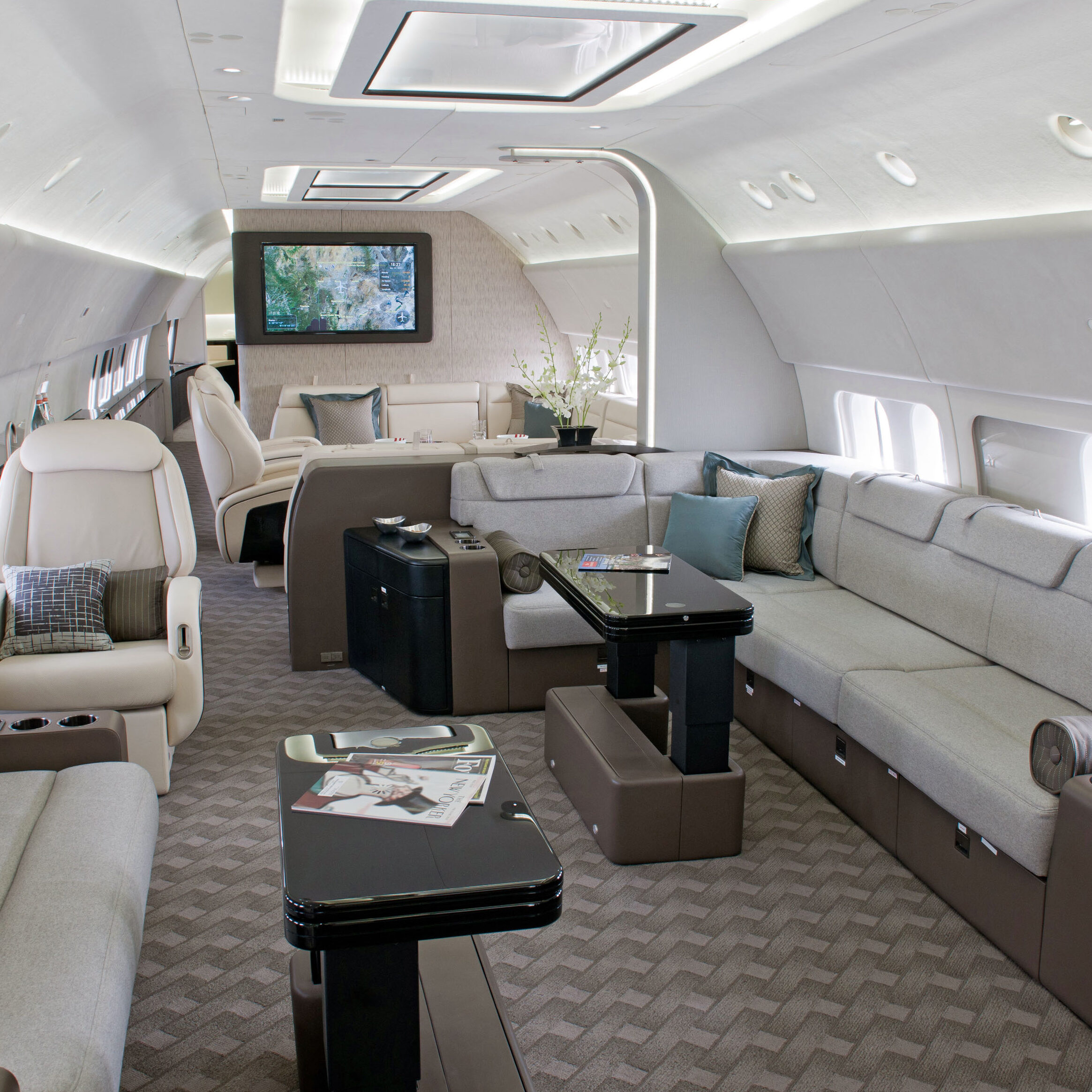 737 BBJ Interior and Exterior Photos K65613-02