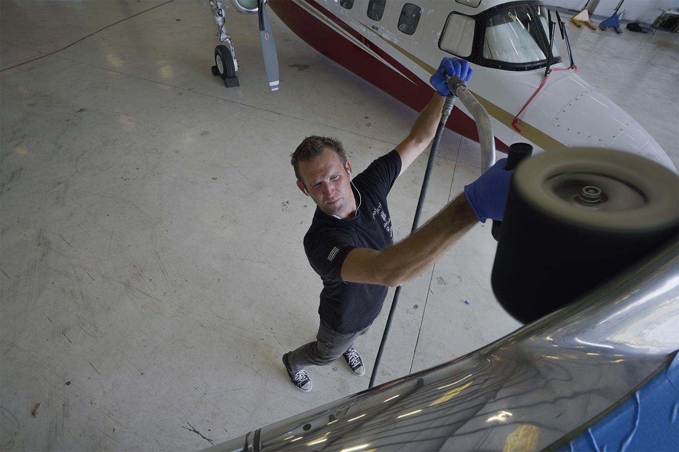 aircraft detailing brightwork polishing