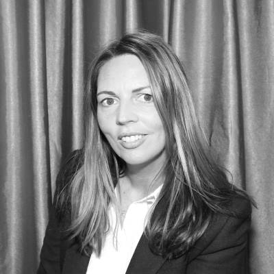 Anmea Hoskin from New Zealand's Amazing Travelling Photobooth